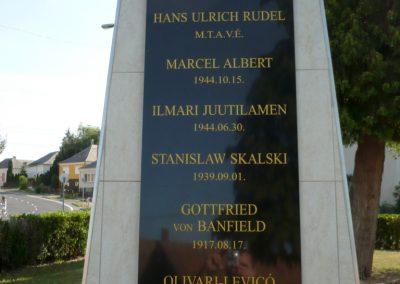 Iharosberény világháborús pilóta emlékmű 2012.06.28. küldő-Sümec (7)