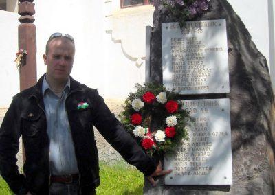Ikafalva Hősi emlékmű 2009.05.24. küldő-Szőcs Csongor (3)
