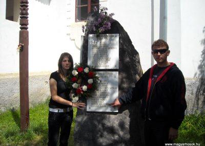 Ikafalva Hősi emlékmű 2009.05.24. küldő-Szőcs Csongor (6)
