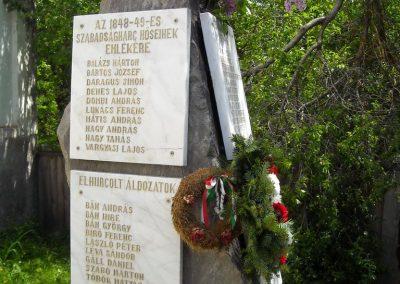 Ikafalva Hősi emlékmű 2009.05.24. küldő-Szőcs Csongor (7)