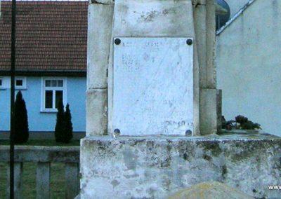 Ikervár vh.emlékmű 2008.01.27. küldő-Tamás2 (7)