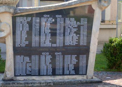 Illmic világháborús emlékmű 2013.07.26. küldő-Nerr (1)