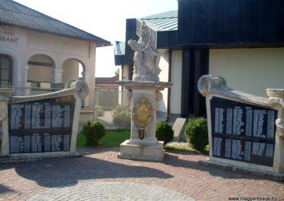 Illmic világháborús emlékmű 2013.07.26. küldő-Nerr