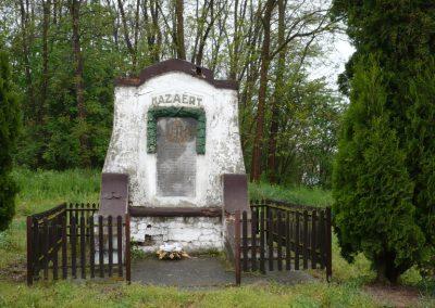Inke régi I.vh emlékmű 2009.04.21.küldő-Sümec