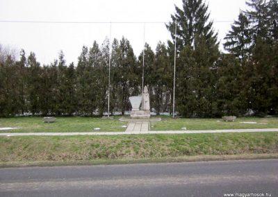 Ipolydamásd világháborús emlékmű 2013.03.18. küldő-kalyhas