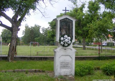 Ipolyszalka, templomkert I. világháborús emlékhely 2013.05.26. küldő-Méri (10)
