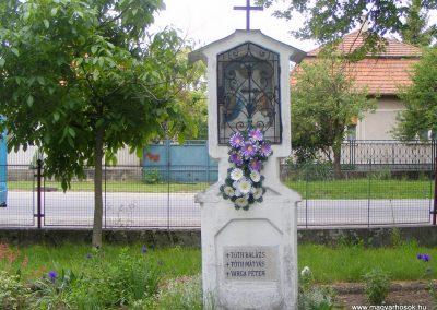 Ipolyszalka, templomkert I. világháborús emlékhely 2013.05.26. küldő-Méri (14)