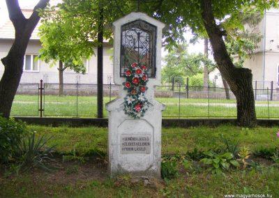 Ipolyszalka, templomkert I. világháborús emlékhely 2013.05.26. küldő-Méri (3)