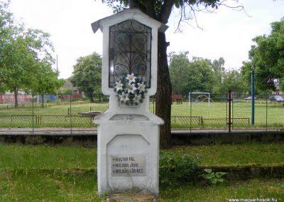Ipolyszalka, templomkert I. világháborús emlékhely 2013.05.26. küldő-Méri (7)