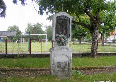 Ipolyszalka, templomkert I. világháborús emlékhely 2013.05.26. küldő-Méri (9)
