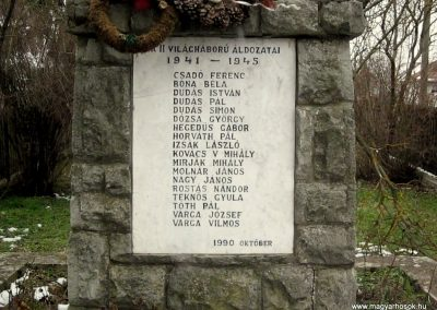 Ipolytölgyes világháborús emlékmű 2013.03.18. küldő-kalyhas (1)