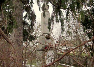 Ipolytölgyes világháborús emlékmű 2013.03.18. küldő-kalyhas (2)