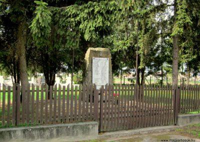 Ipolyvece világháborús emlékmű 2012.04.25. küldő-kalyhas (6)