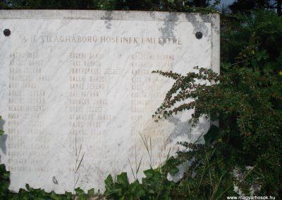 Isaszeg világháborús emlékmű 2007.05.21.küldő -Petrás M. (1)