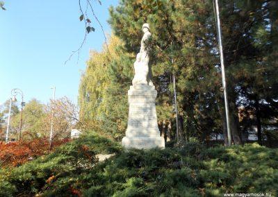 Isaszeg világháborús emlékmű 2015.10.31. küldő-kalyhas (4)