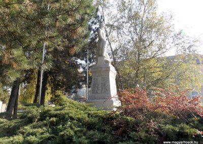 Isaszeg világháborús emlékmű 2015.10.31. küldő-kalyhas (8)