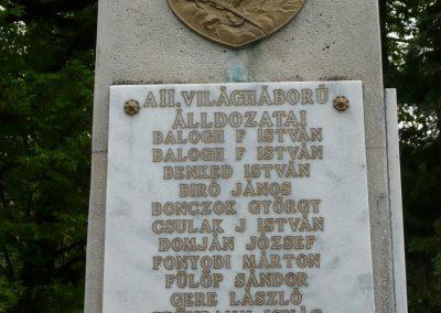 Istvándi világháborús emlékmű 2009.04.21.küldő-Sümec (6)