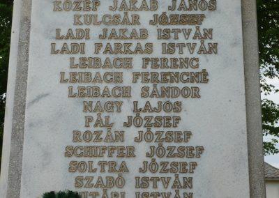 Istvándi világháborús emlékmű 2009.04.21.küldő-Sümec (7)