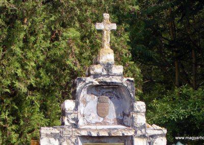Iszkáz világháborús emlékmű 2012.10.06. küldő-Méri (1)