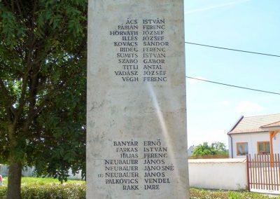 Iszkaszentgyörgy világháborús emlékmű 2014.06.09. küldő-Méri (4)