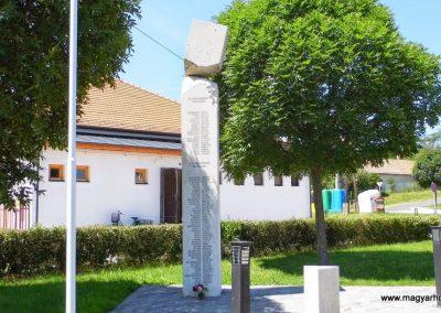 Iszkaszentgyörgy világháborús emlékmű 2014.06.09. küldő-Méri