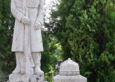 Isztimér világháborús emlékmű 2010.07.17. küldő-Mimóza (5)