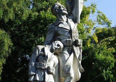 Izsák I.vh.emlékmű 2007.10.16.küldő -Markó Péter (1)