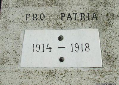 Izsák I.vh.emlékmű 2007.10.16.küldő -Markó Péter (2)