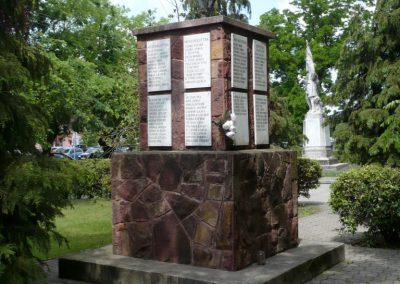 Izsák II.vh emlékmű 2010.05.14. küldő-Sümec (4)