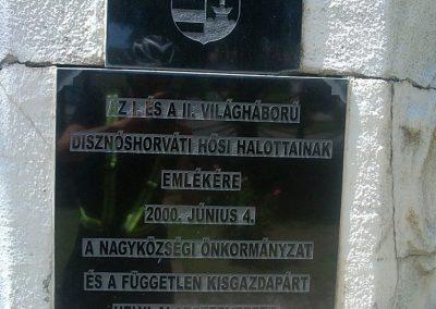 Izsófalva - 1950-ig Disznóshorvát - világháborús emlékmű 2012.06.21. küldő-Pataki Tamás (2)