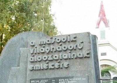 Izsa II. világháborús emlékmű 2013.07.26. küldő-Méri (1)