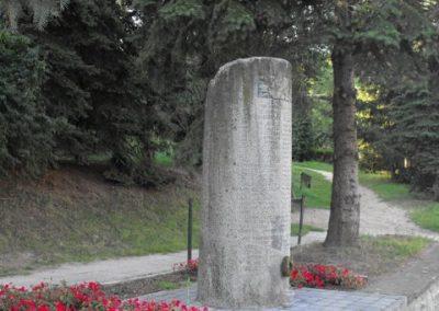Ják világháborús emlékmű 2009.09.02.küldő-Gyurkusz (2)