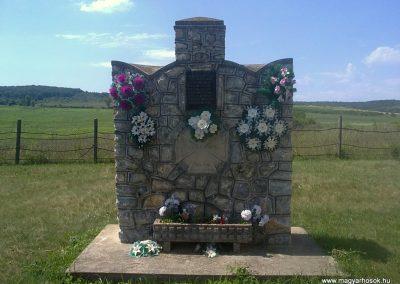 Jákfalva világháborús emlékmű 2012.06.21. küldő-Pataki Tamás (1)