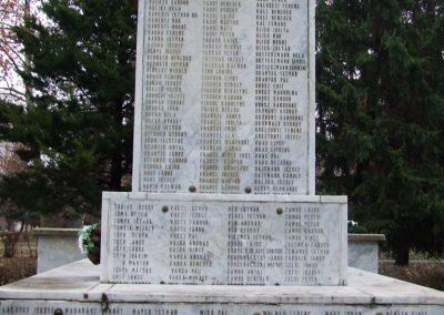 Jánoshalma világháborús emlékmű 2007.12.09.küldő-Markó Péter (5)