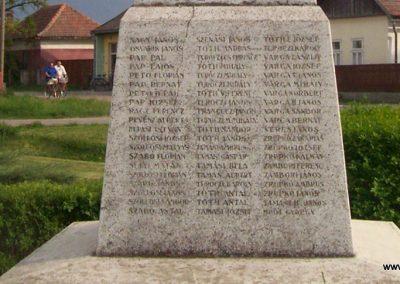 Jánoshida I.vh emlékmű 2009.04.30. küldő-miki (11)