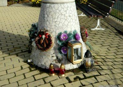 Jármi világháborús emlékmű 2010.11.09. küldő-Ágca (9)