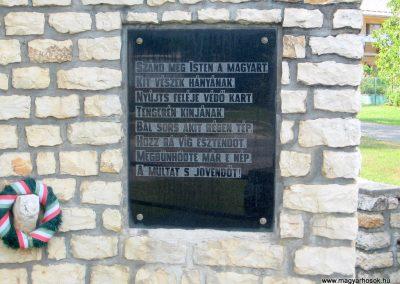 Jásd világháborús emlékmű 2010.07.22. küldő-kalyhas (3)