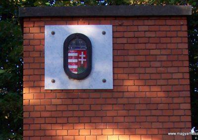 Jászágó világháborús emlékmű 2009.09.30. küldő-miki (1)