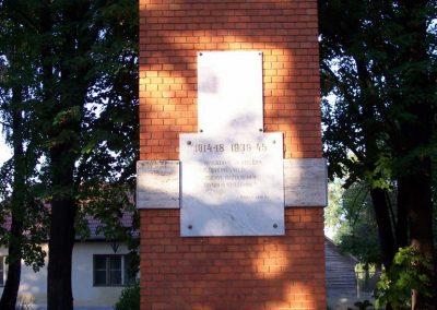 Jászágó világháborús emlékmű 2009.09.30. küldő-miki