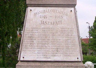 Jászapáti I.vh emlékmű 2009.04.30. küldő-miki (2)