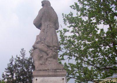 Jászapáti I.vh emlékmű 2009.04.30. küldő-miki (5)