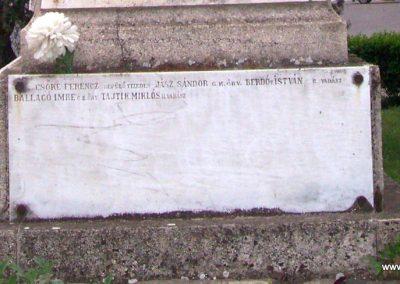 Jászapáti I.vh emlékmű 2009.04.30. küldő-miki (7)