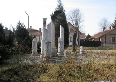 Jászberény II.vh emlékmű 2011.03.11. küldő-kalyhas (1)