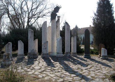 Jászberény II.vh emlékmű 2011.03.11. küldő-kalyhas (3)