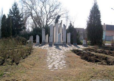 Jászberény II.vh emlékmű 2011.03.11. küldő-kalyhas