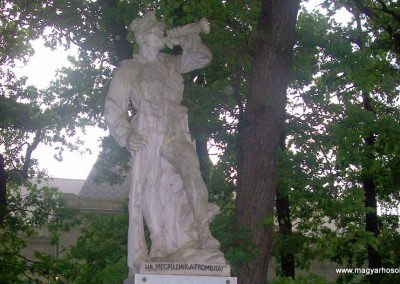 Jászdózsa I.vh emlékmű 2009.04.30. küldő-miki (1)
