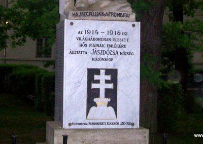 Jászdózsa I.vh emlékmű 2009.04.30. küldő-miki (2)