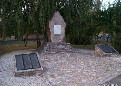 Jászfényszaru II.vh emlékmű 2009.09.30. küldő-miki