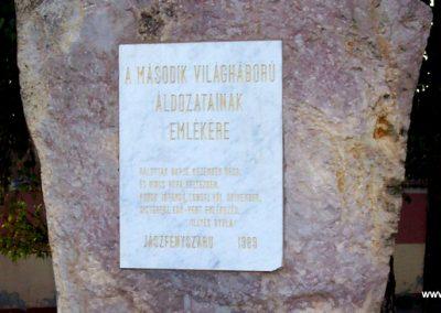 Jászfényszaru II.vh emlékmű 2009.09.30. küldő-miki (7)
