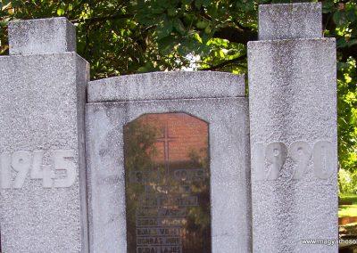 Jászivány II.vh emlékmű 2009.07.24.küldő-miki (1)